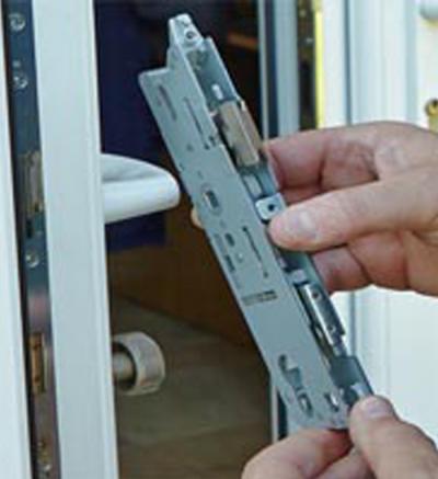 SW locksmith Door Mechanism Replacement